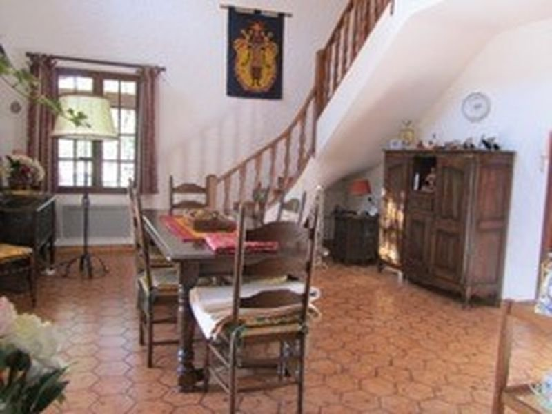Cotignac 4 bed country property with swimmingpool