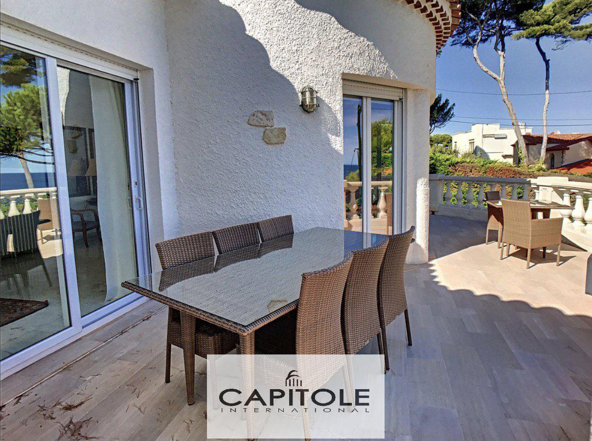 For sale, Cap D'ANTIBES, PANORAMIC SEA VIEW VILLA, pool, garden, parking