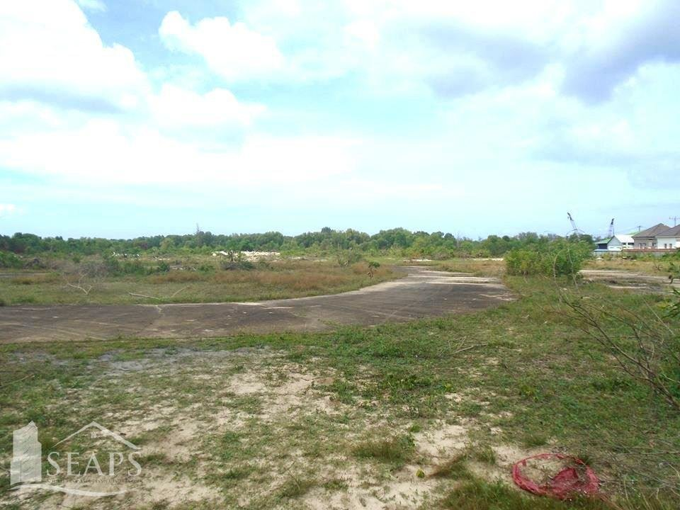 LAND FOR SALE. SIZE 30,014 SQM @ $400 PER METER.