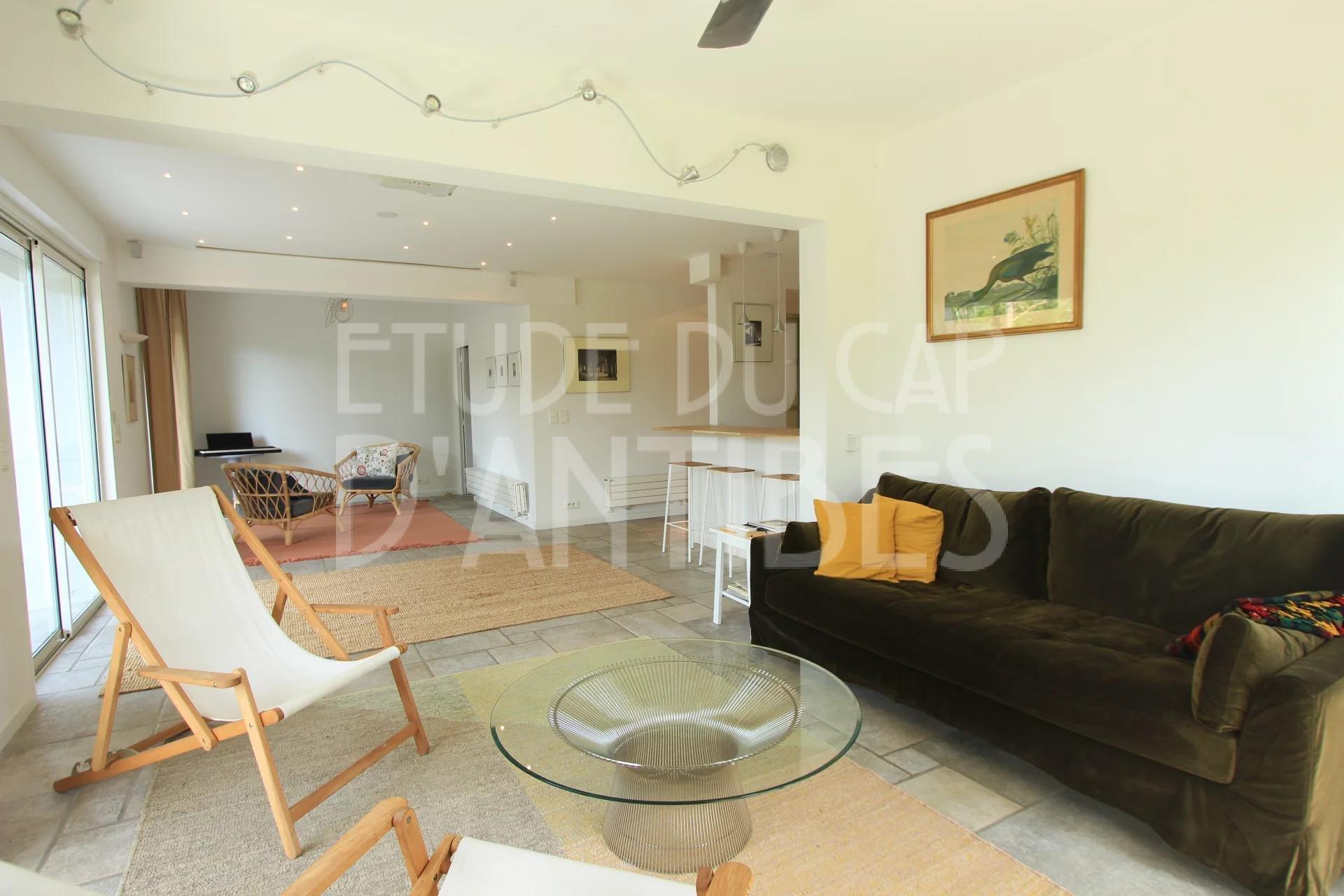 Appartement au Coeur du Cap d'Antibes, Au Calme