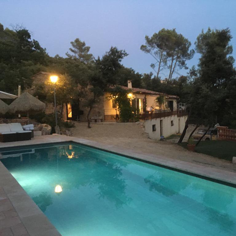 New villa with view and beautiful swimming pool