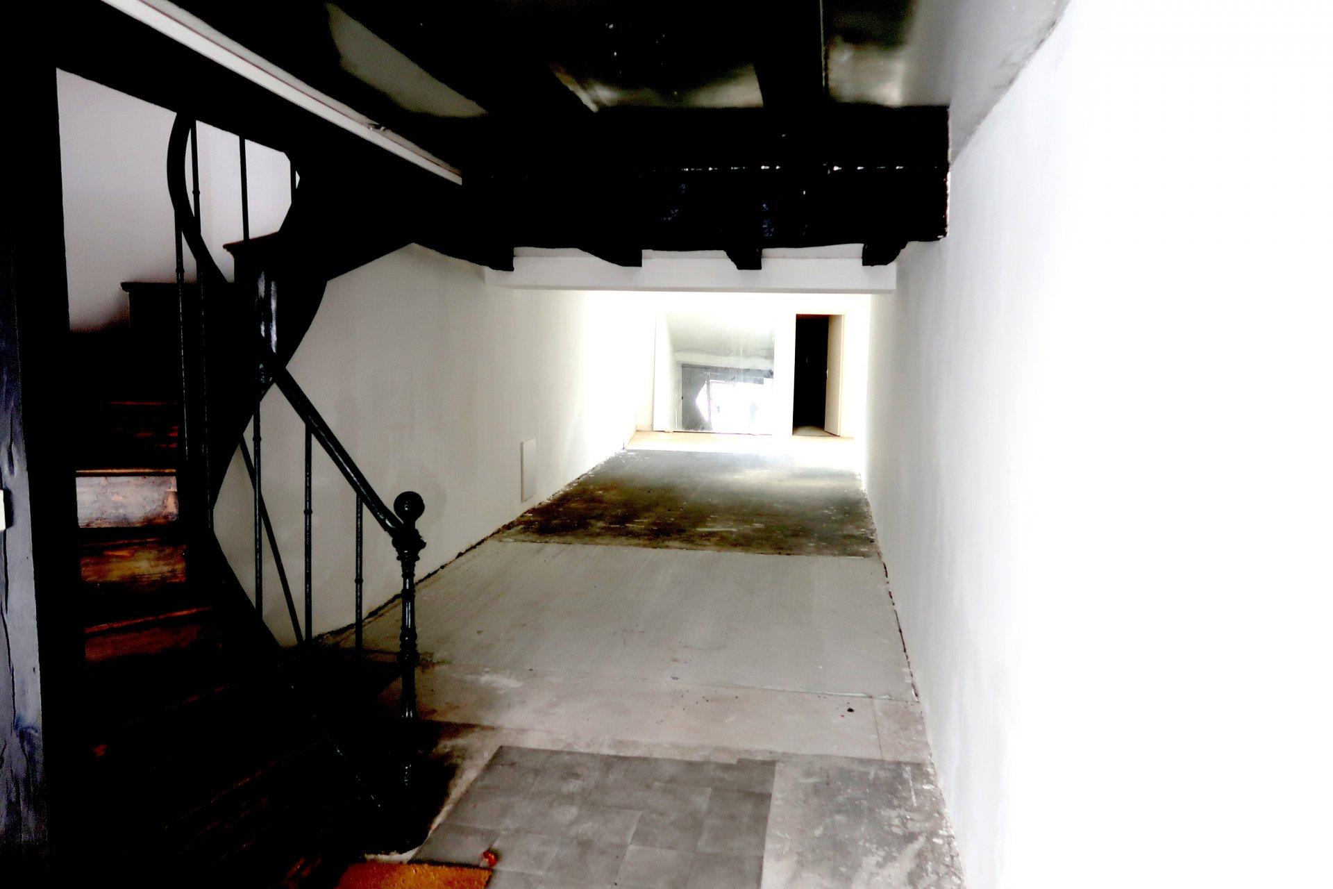 Centre ville de CARHAIX, immeuble sur 3 étages 70 850€ FAI