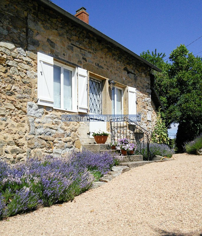 Stone farmhouse for sale near Arleuf, Morvan, Burgundy
