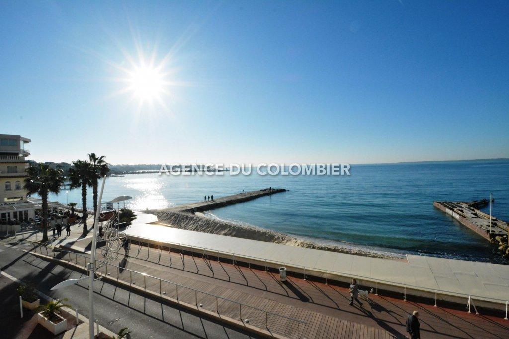 Studio avec vue mer panoramique en front de mer