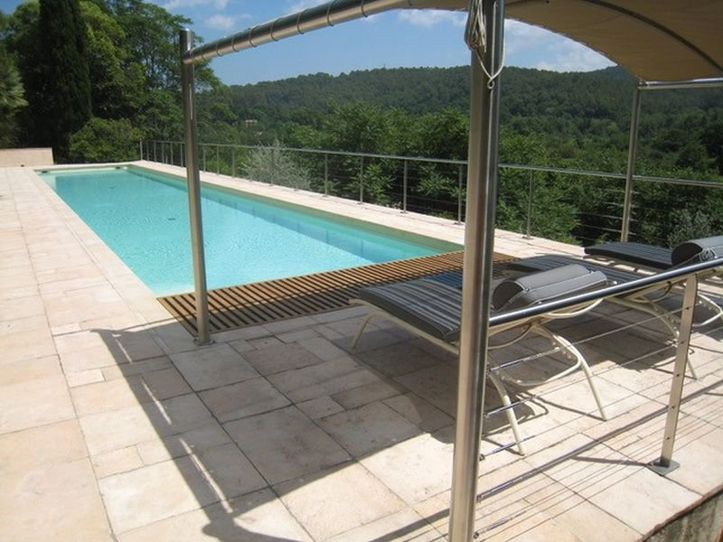 Gorgeous 5 bedroom house, views, swimming pool in a peaceful park of 1.9 hectares