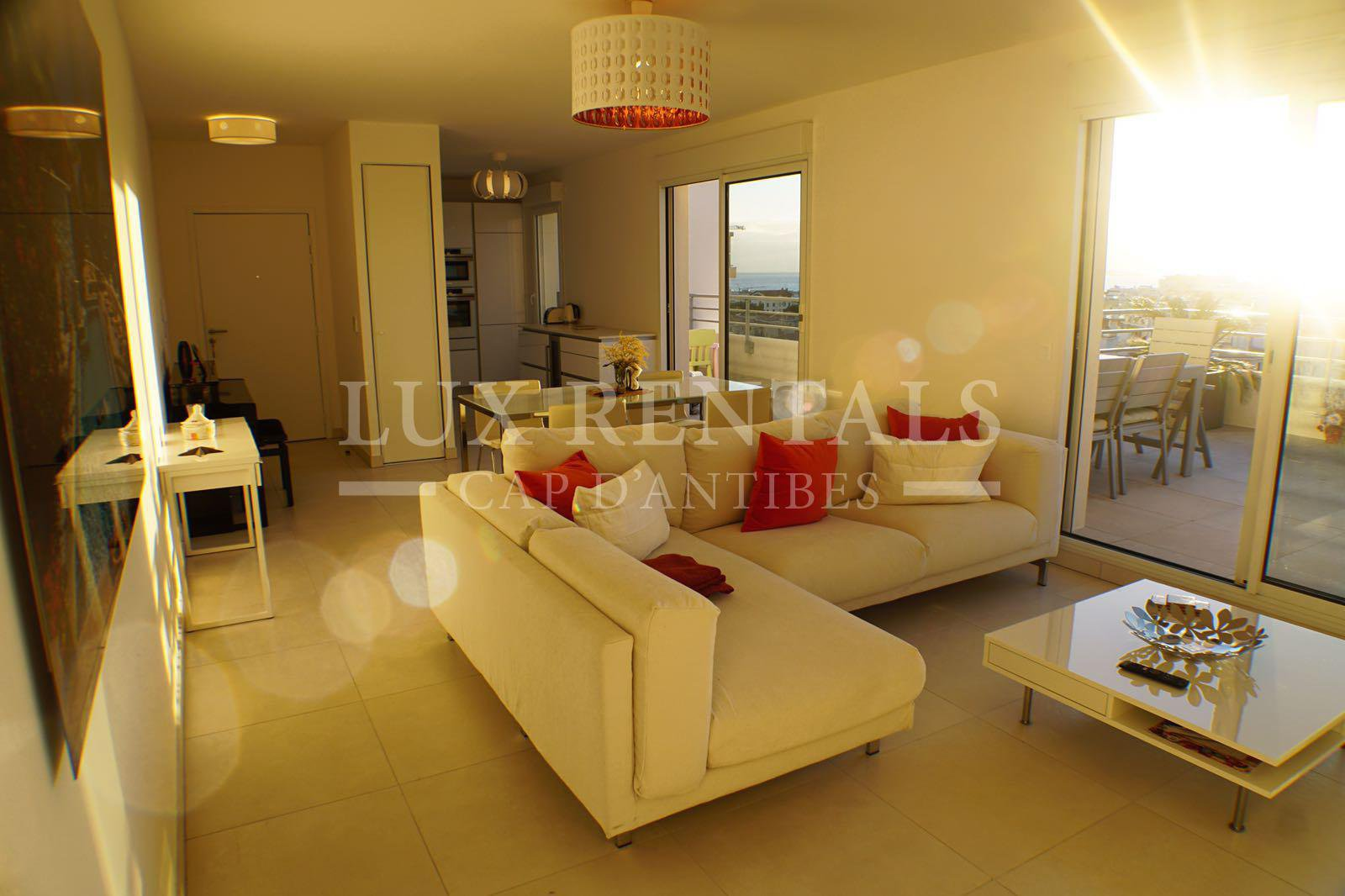 Thumbnail 1 Seasonal rental Apartment - Juan-les-Pins
