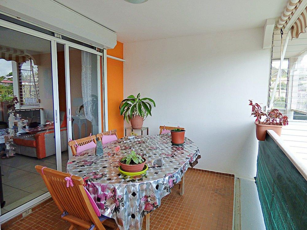 CHATEAUBOEUF - Beau T4 - Terrasses - Vue Dégagée - Cellier - Buanderie - Parking