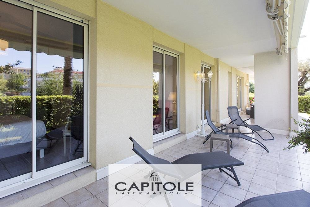 Antibes - For sale luxurious  secured garden apartment of 102m²