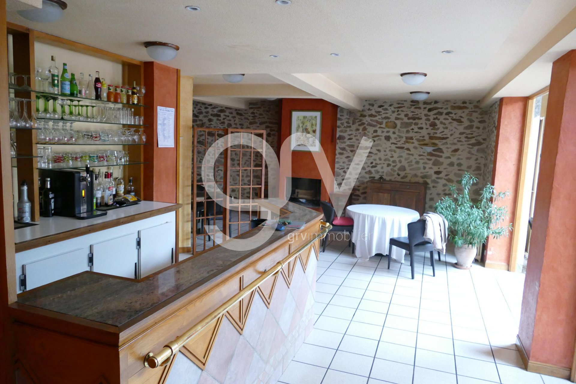 Guest house and restaurant in a typical village in South Cantal