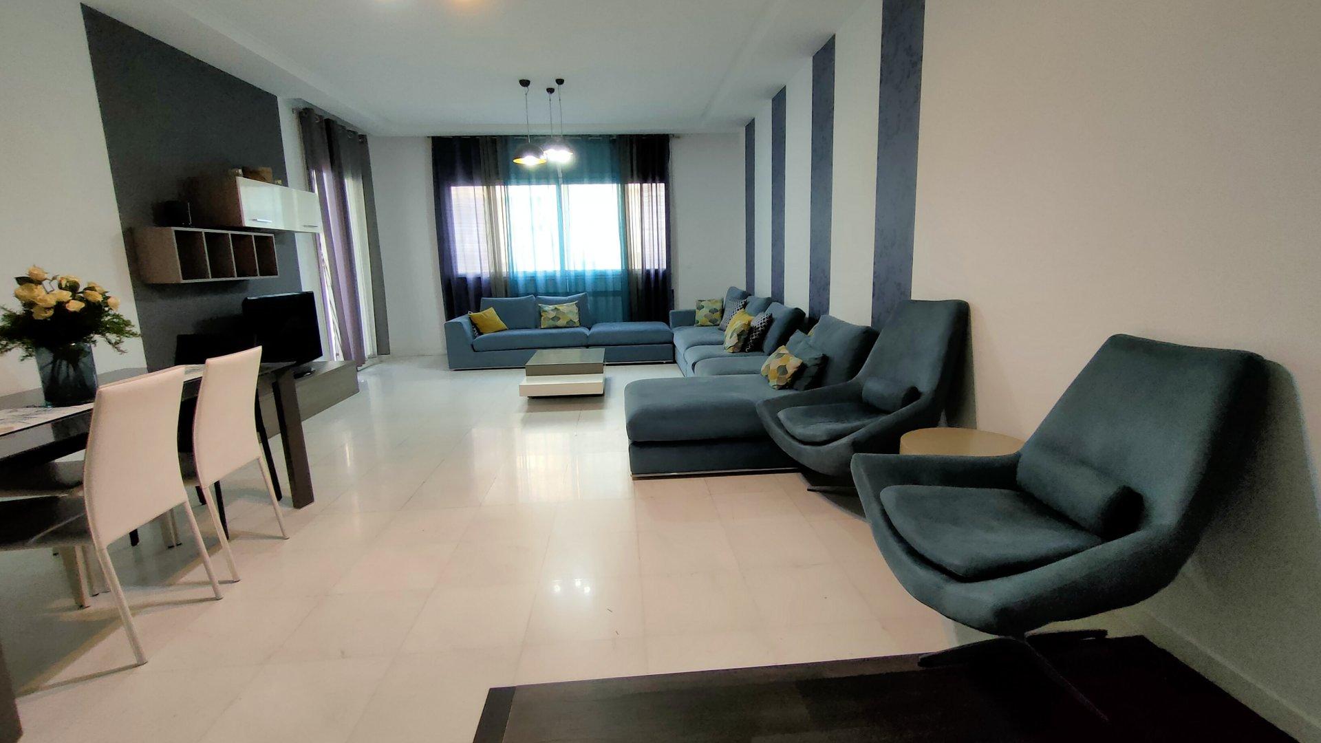 A louer un S+3 meublé de 170 m²  au Lac 2