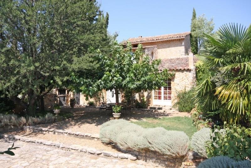 Rare property on 28 hectares.