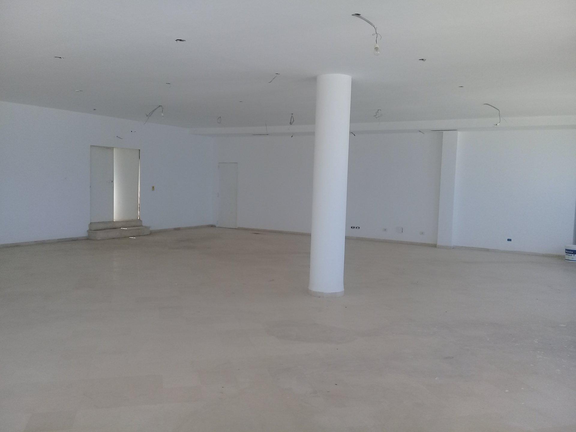 A louer un local commercial vue mer de 470 m² à la marsa
