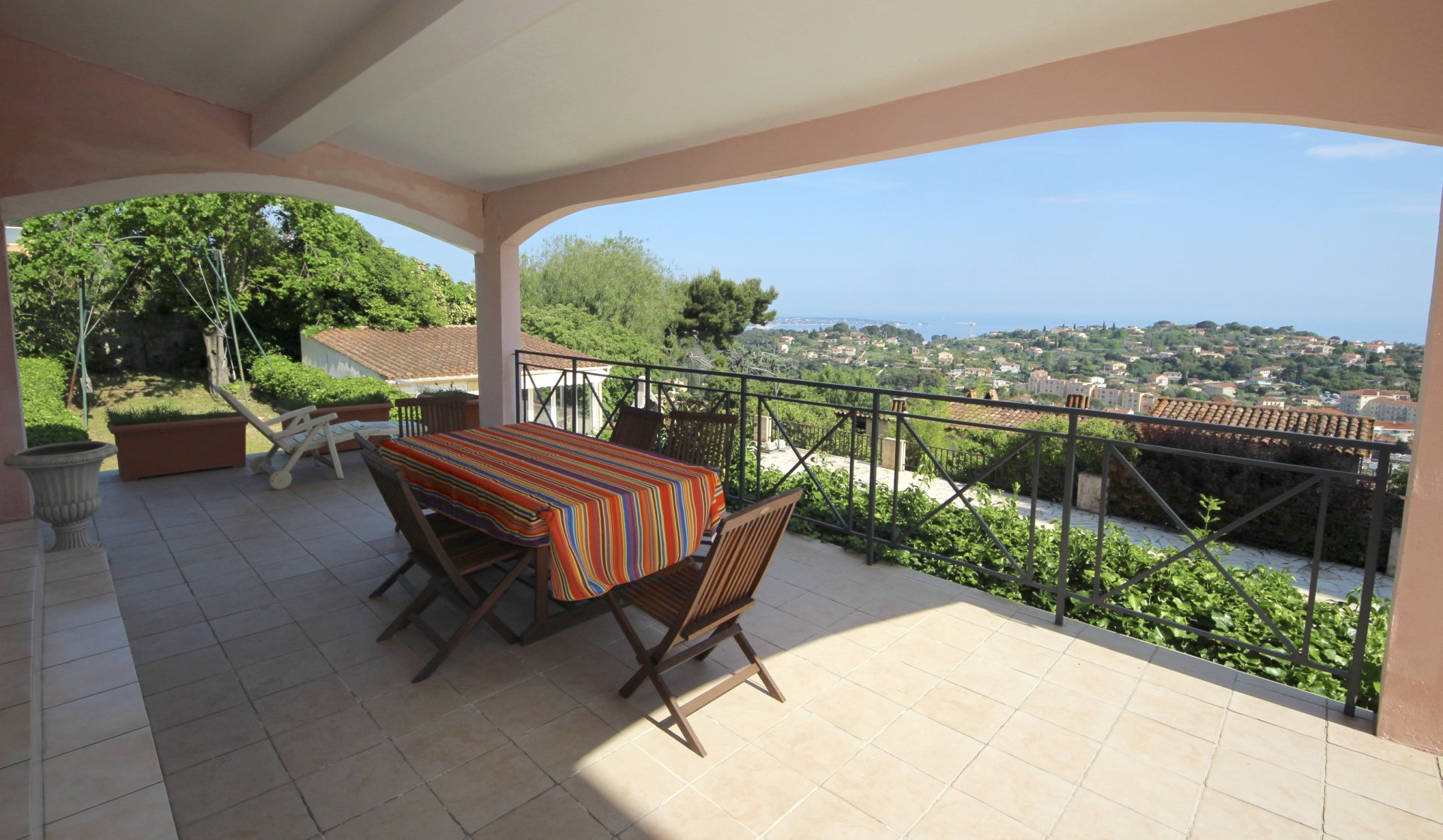 Vallauris Residential - Property 300m2 sea view with swimming pool and gatehouse