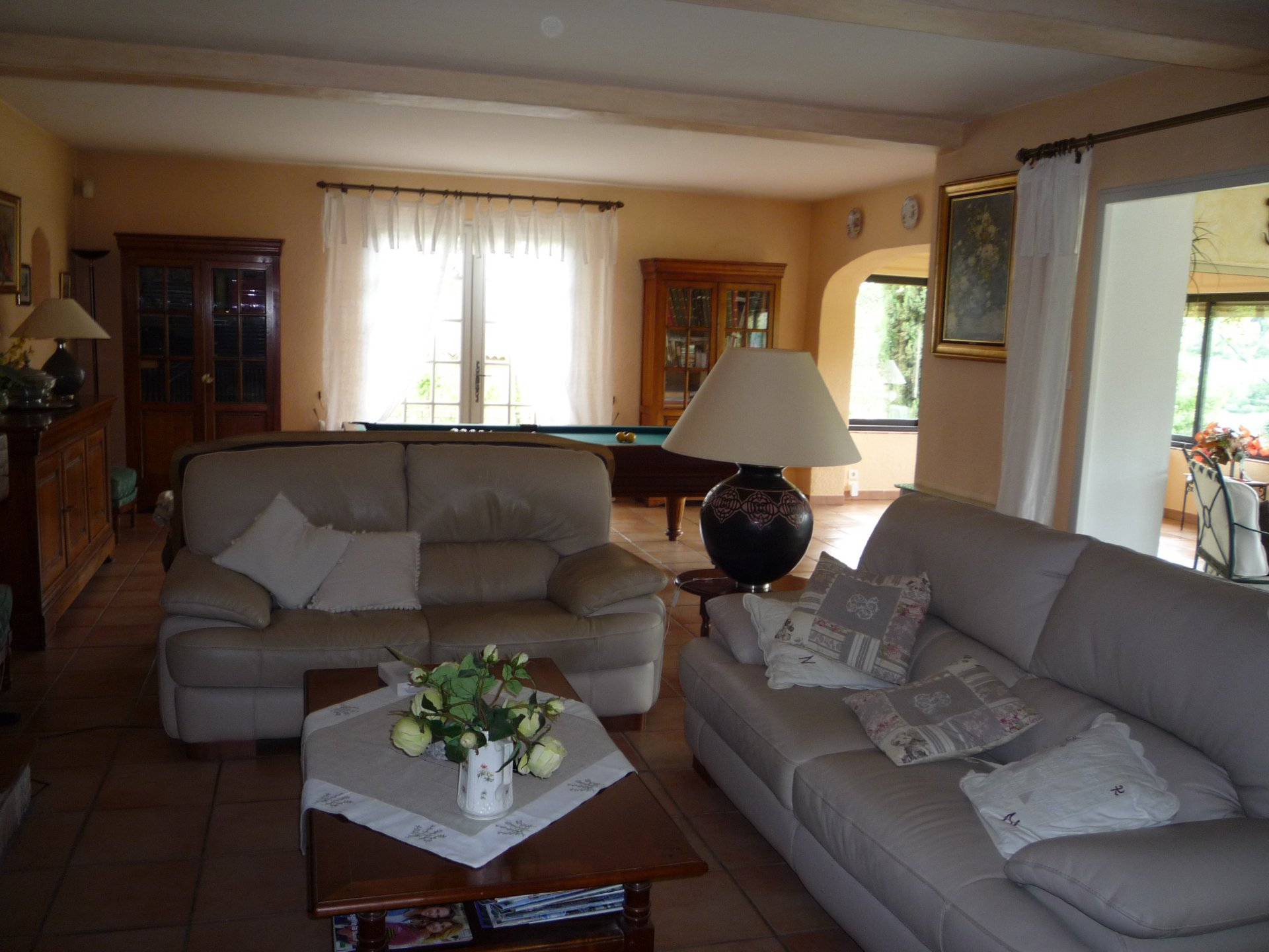 Panoramic views, swimming pool, garage, walking distance to Cotignac