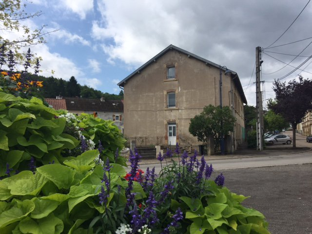 MOYEUVRE GRANDE: Immeuble de rapport
