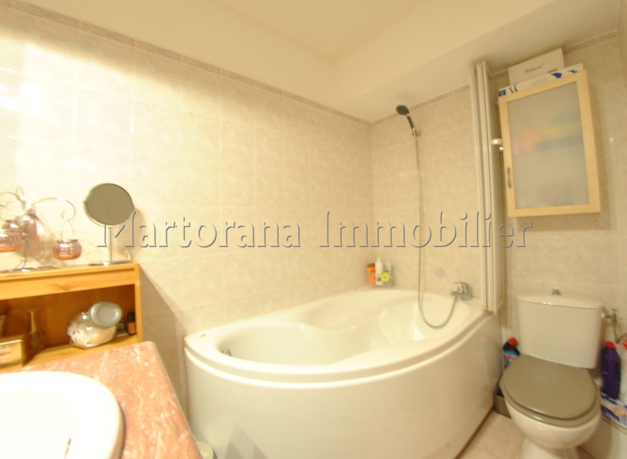 comfortable studio for 2 persons in garden floor in a gated residency with guard and swimming pool