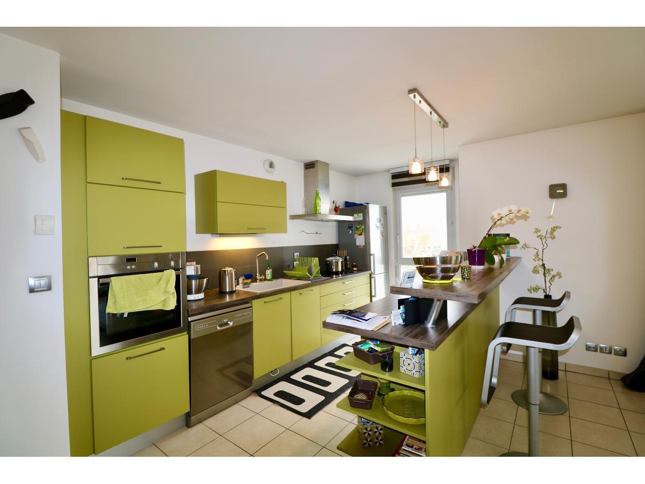 Appartement T3 de 2009 avec terrasse triple exposition
