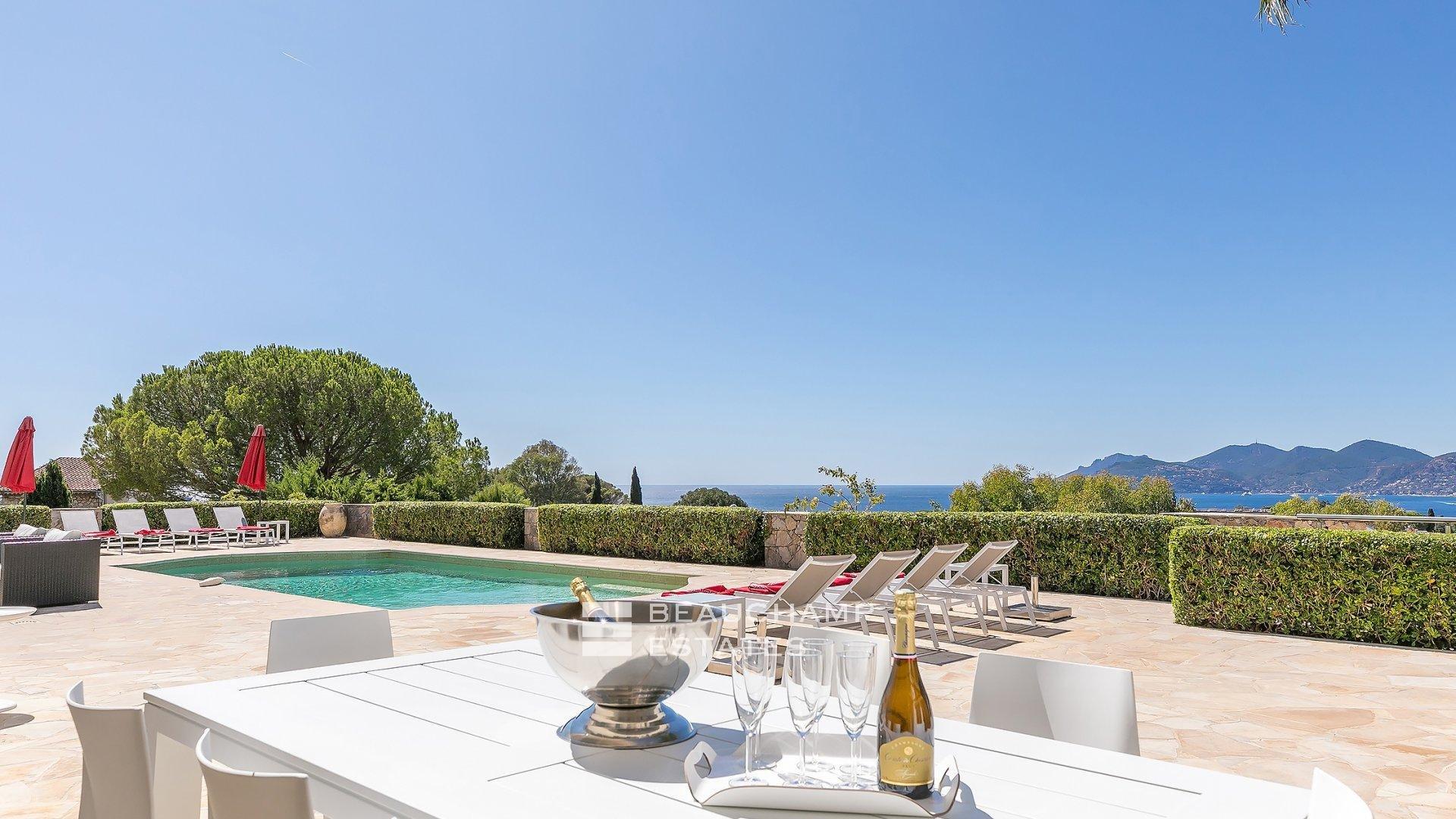 Splendide villa contemporaine, Cannes Croix des Gardes