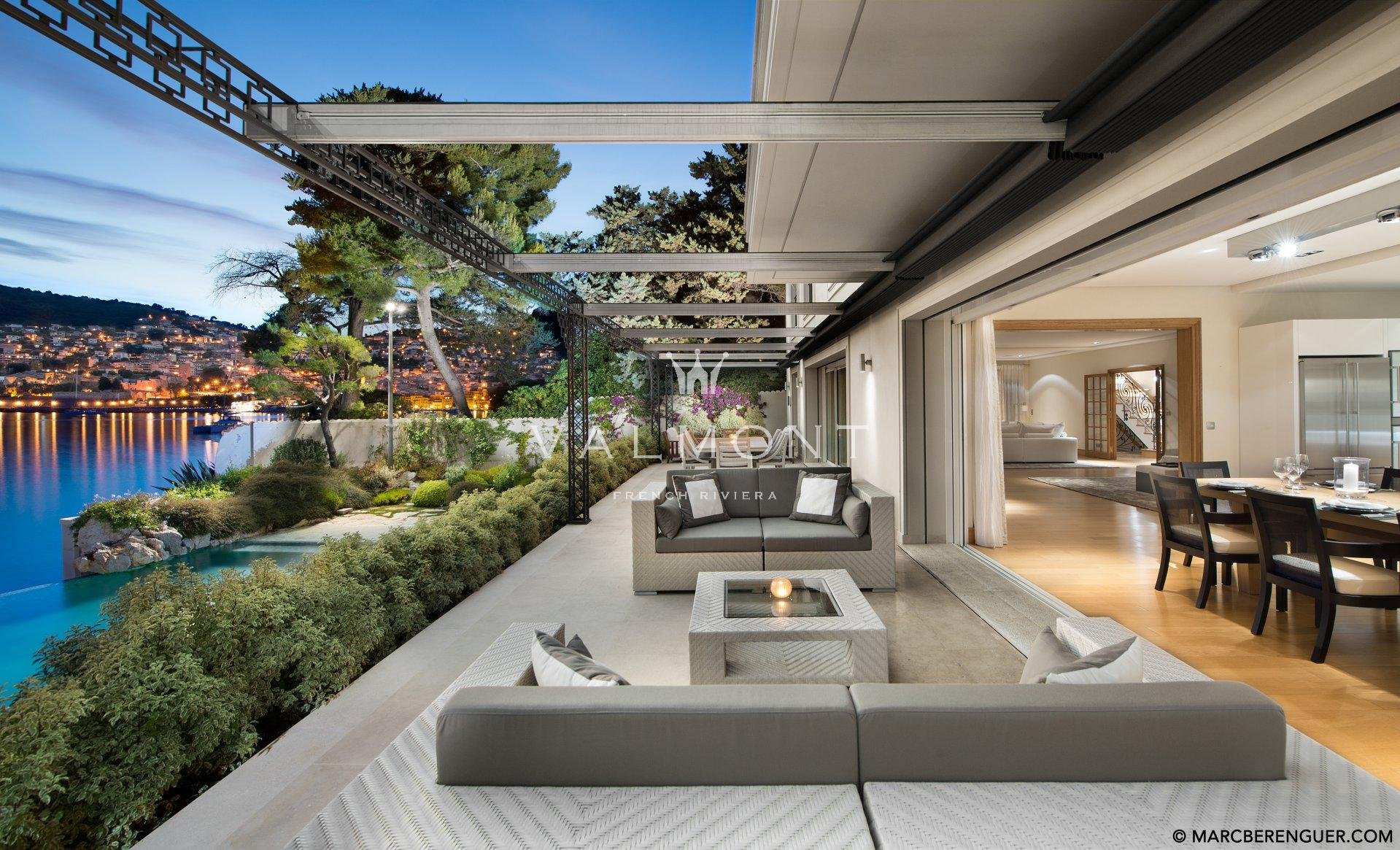 WATER'S EDGE VILLA WITH VIEWS ON CAP FERRAT
