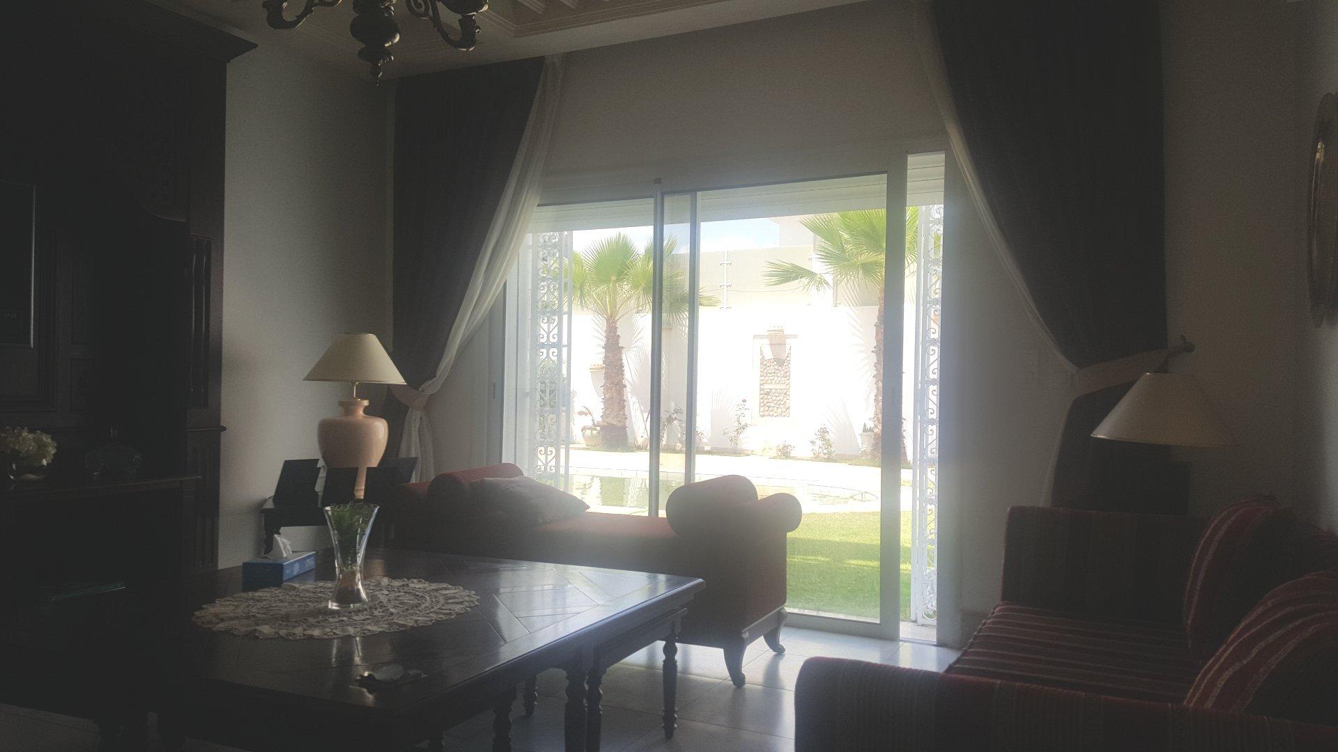 A louer une villa  de 420 m² richement meublée au Lac2