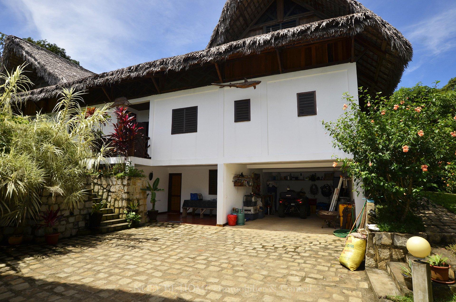 Garage et atelier