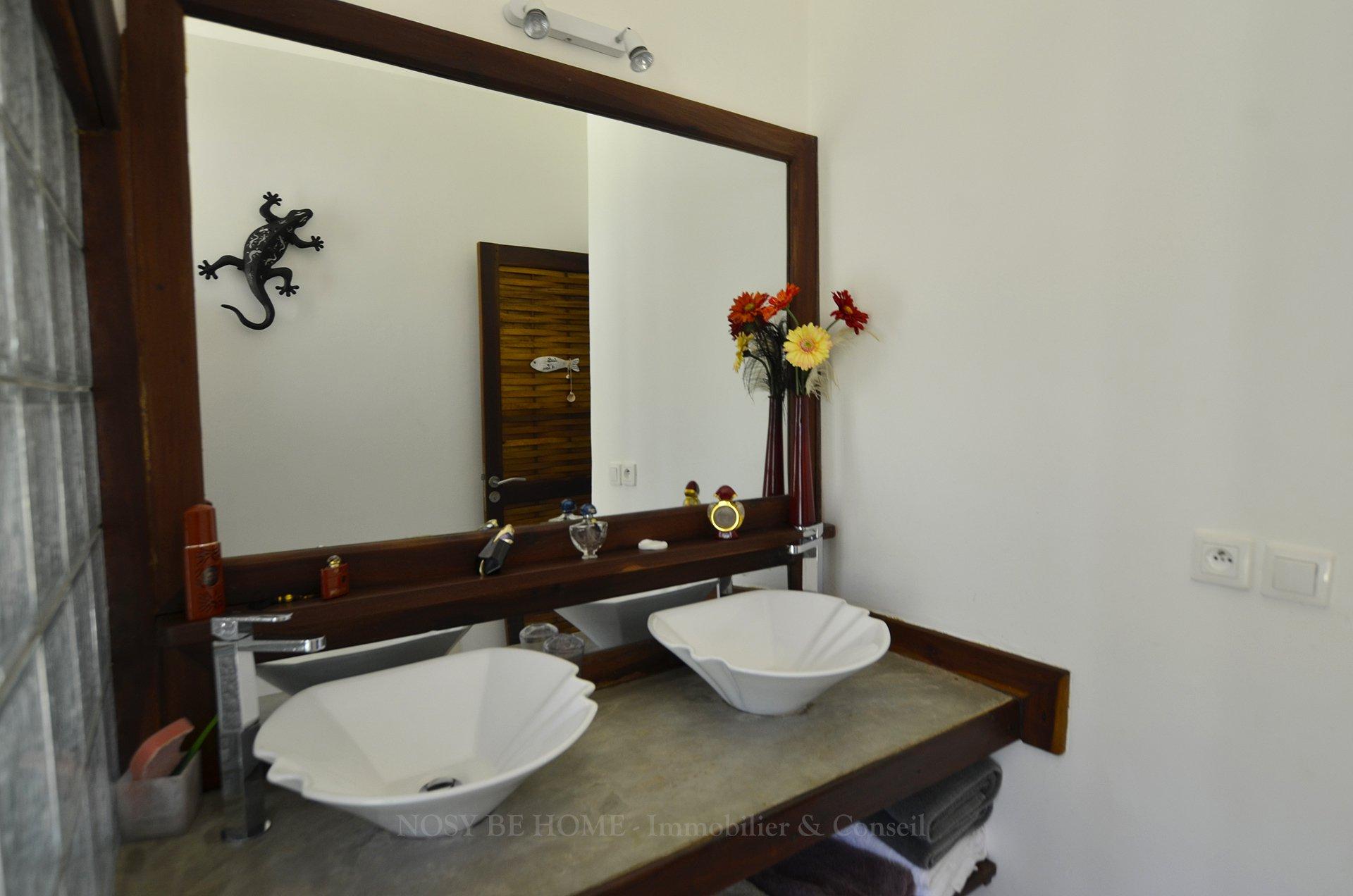 Salle De Bain Bungalow ~ jolie villa d h tes avec piscine et bungalows
