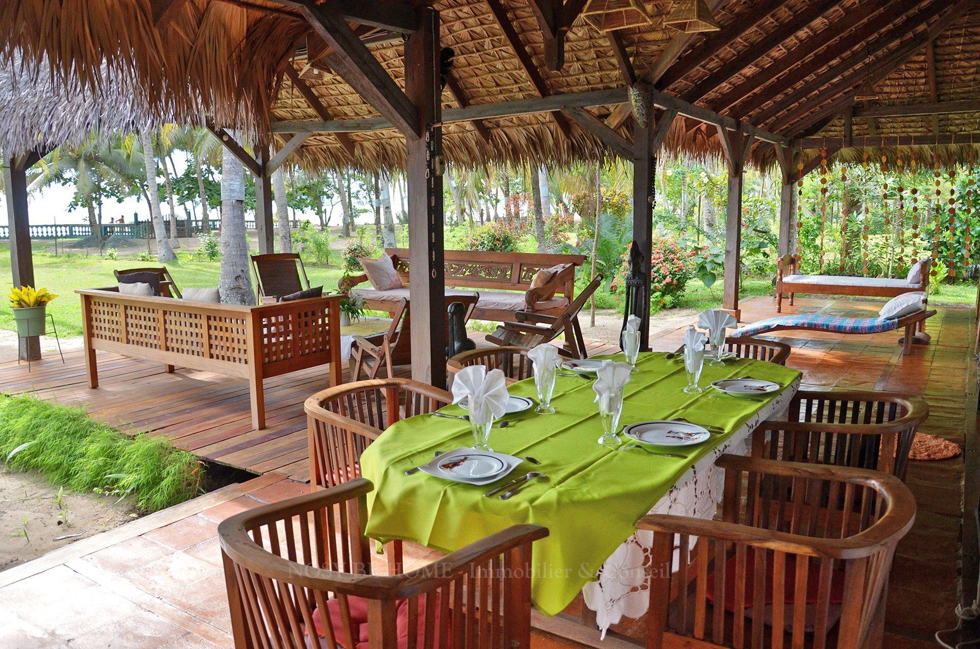 Salla à manger sur terrasse