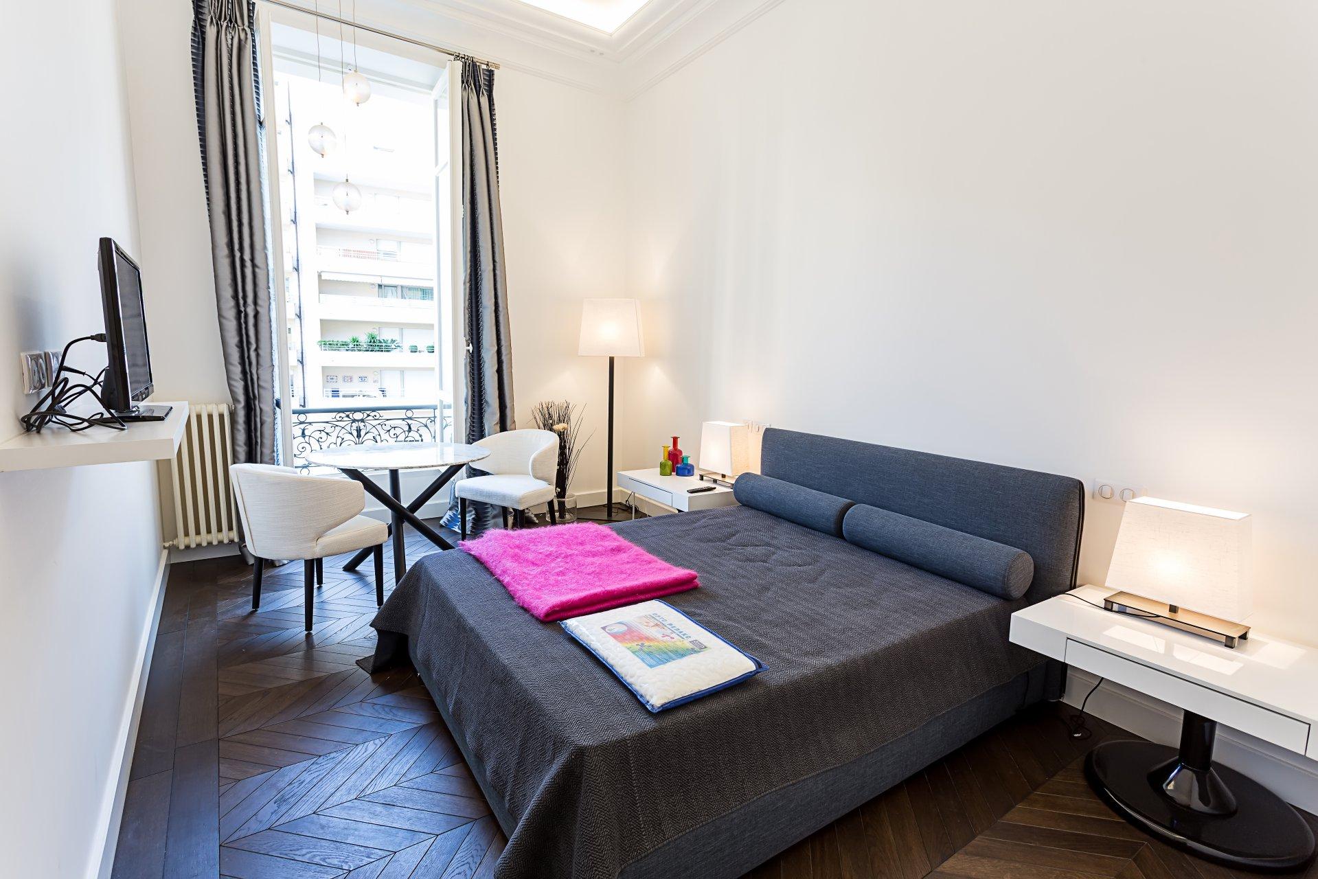 140 m² near the beach - center of Nice - quiet