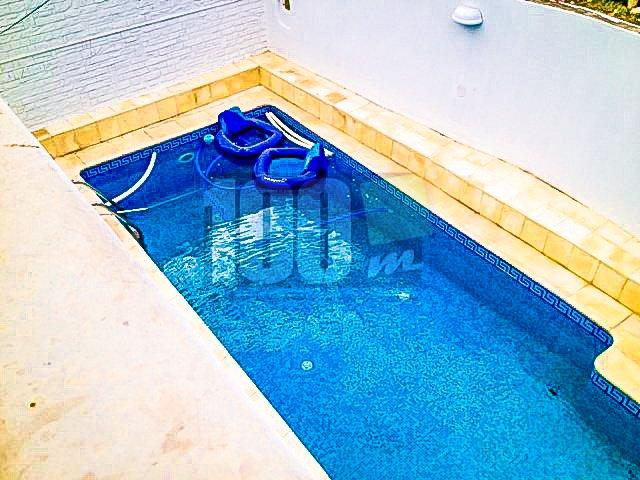 Vente villa avec piscine à Gammarth village