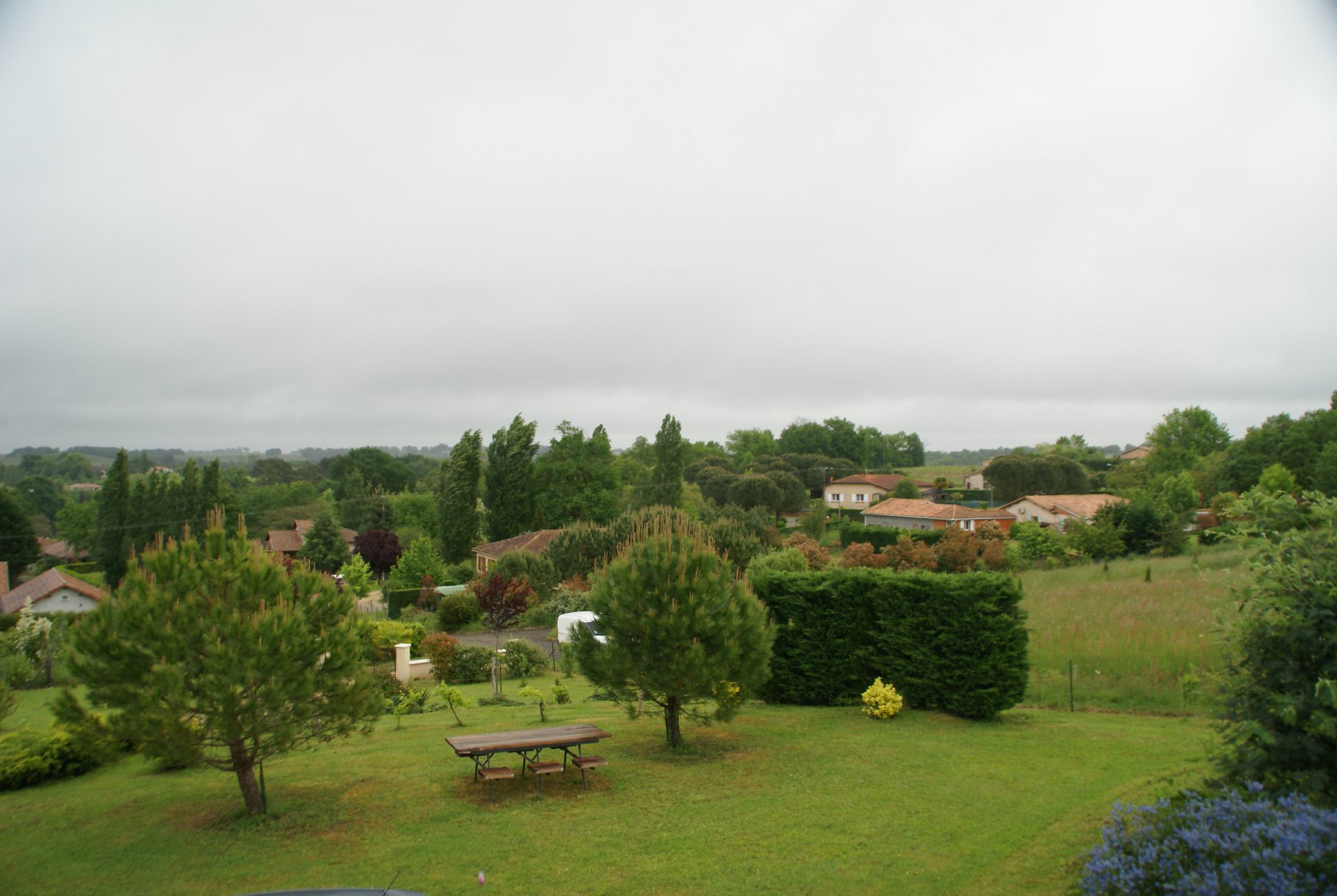Belle Villa (2009) avec vue panoramique. Gers Midipyrenees