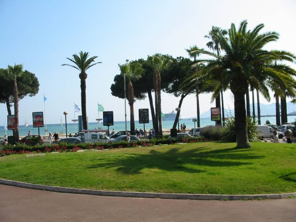 Magnificent sea view. Cannes Croisette