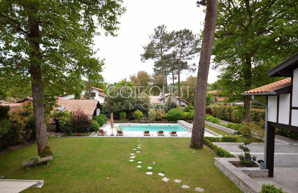 HOUSE FOR SALE ON HOSSEGOR'S GOLF COURSE