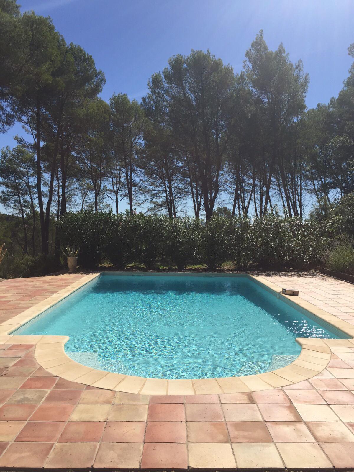 Belle villa avec piscine et vue