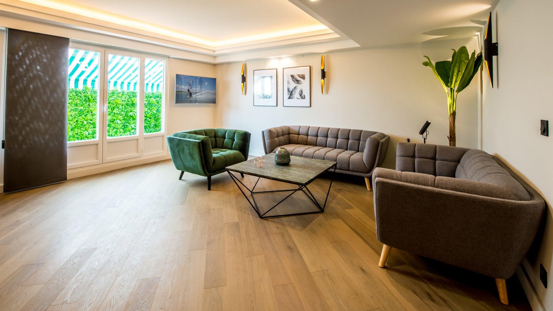 Appartement Dernier étage avec Terrasse -  Nice Carré d'or