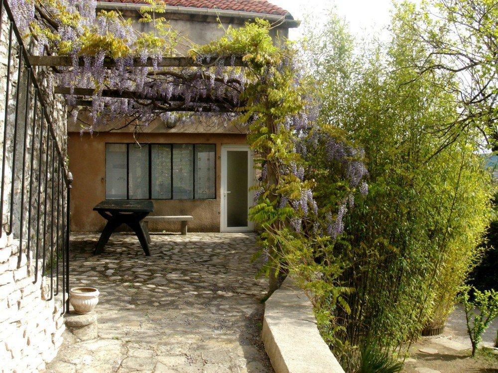 Ravissante maison avec jardin proche centre ville