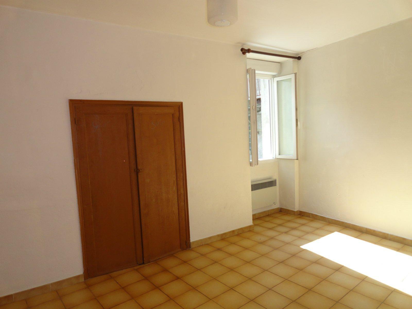 Appartement T3 avec cour