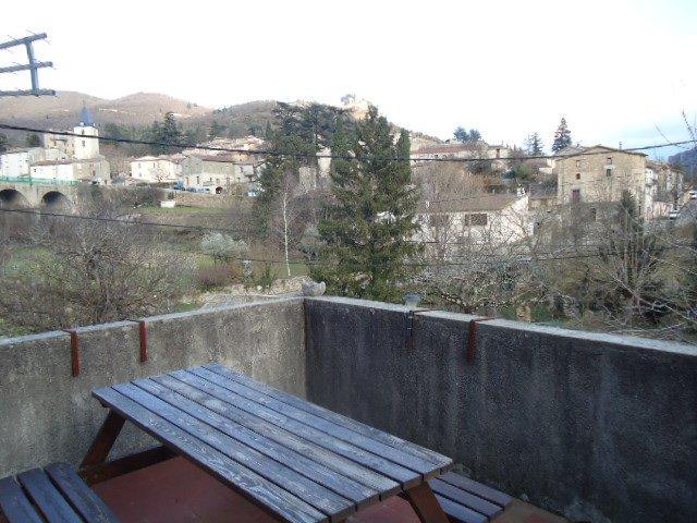 Appartement avec terrasse et cave