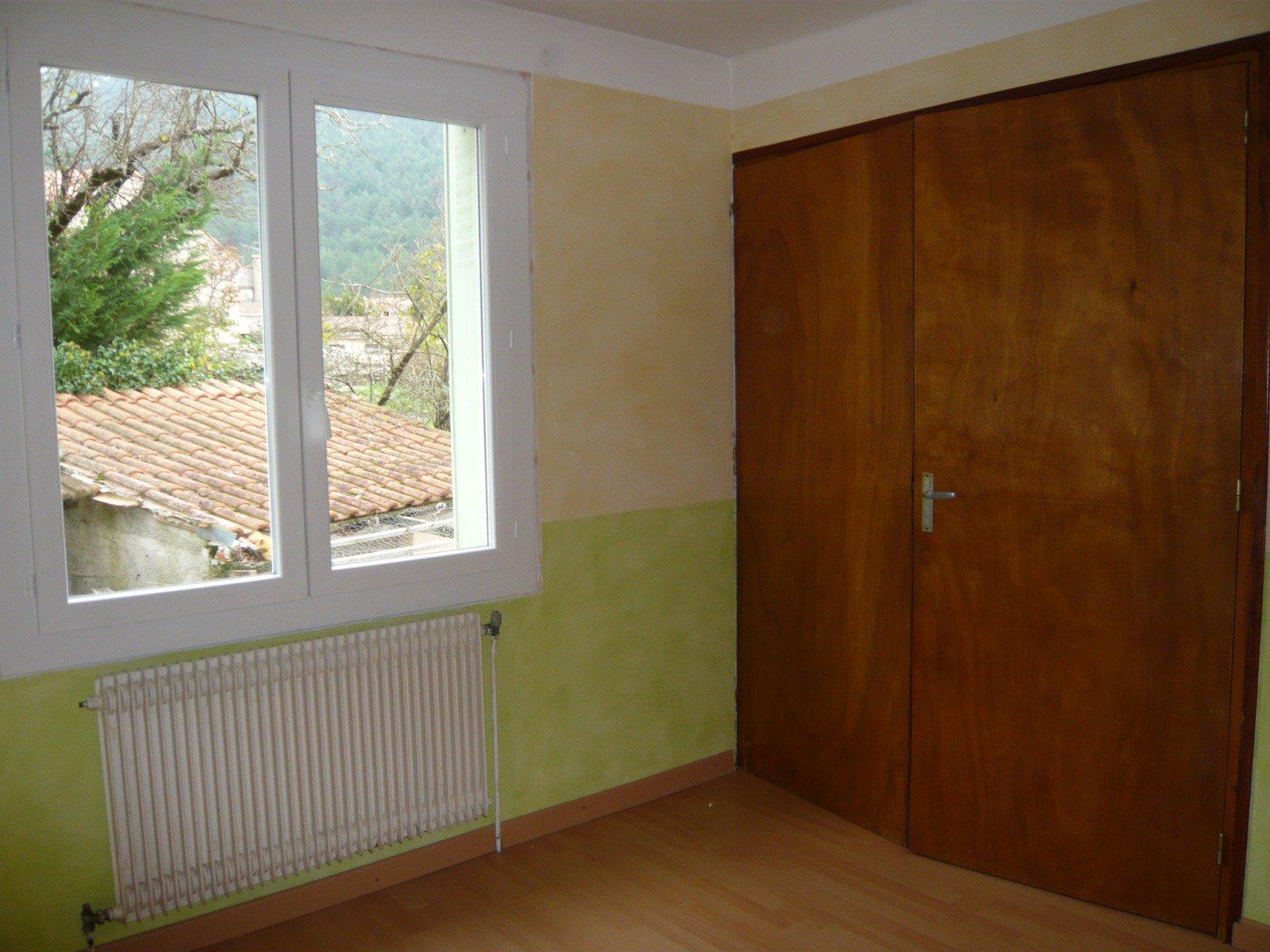 Villa 2 appartements -1000m² terrain clos