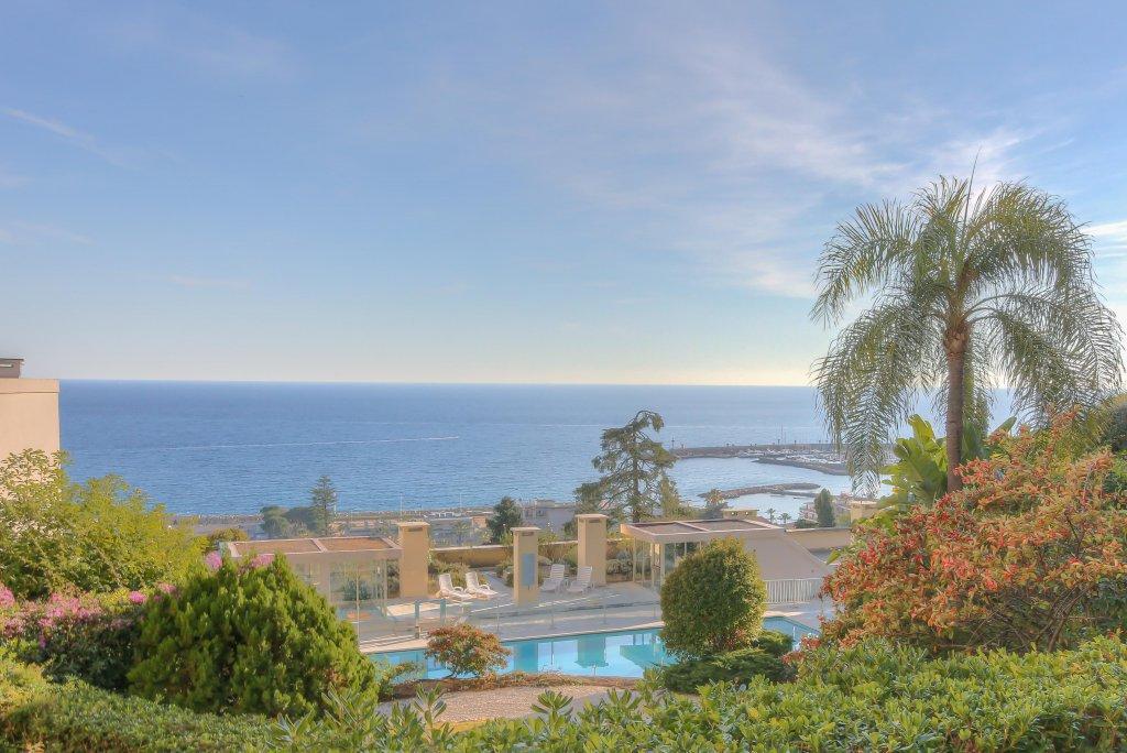 Appartement de prestige avec vue mer - Menton Garavan