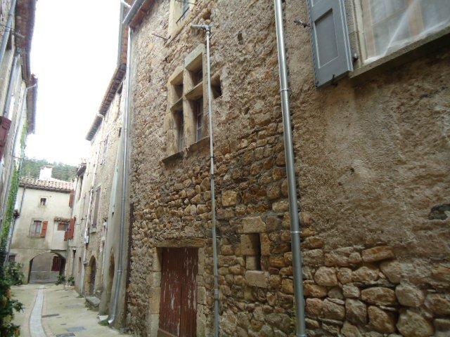 Habitation à rénover au cur de Village