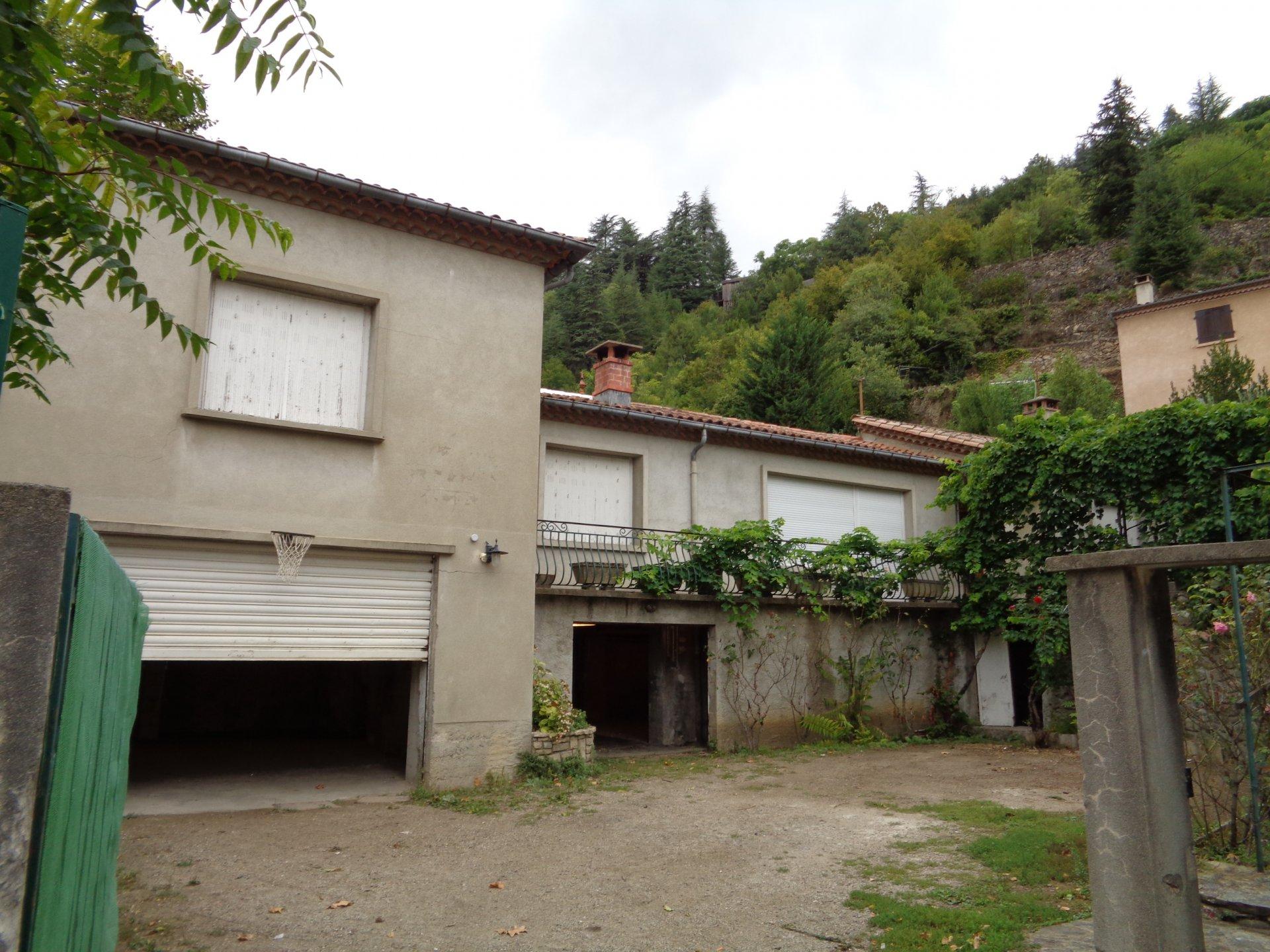 Villa proche centre LE VIGAN