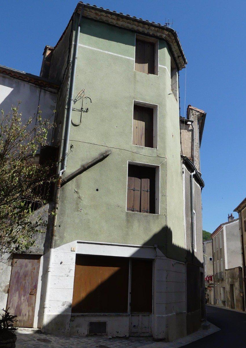 Maison de village sur 3 étages