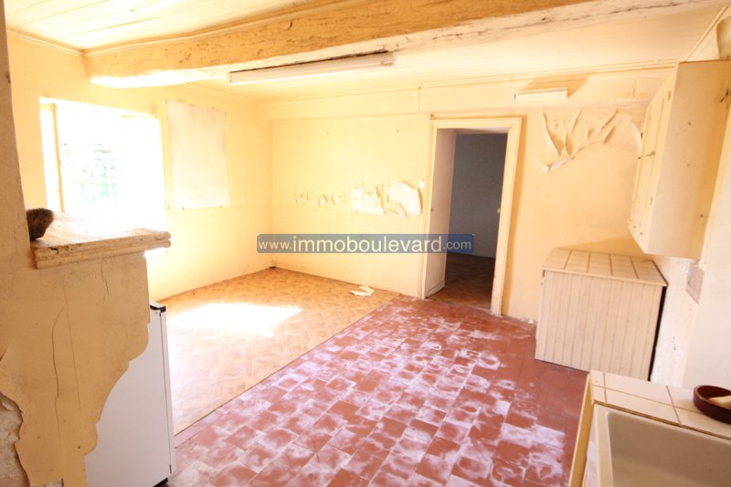 Nice house to renovate for sale near Chateau Chinon Burgundy