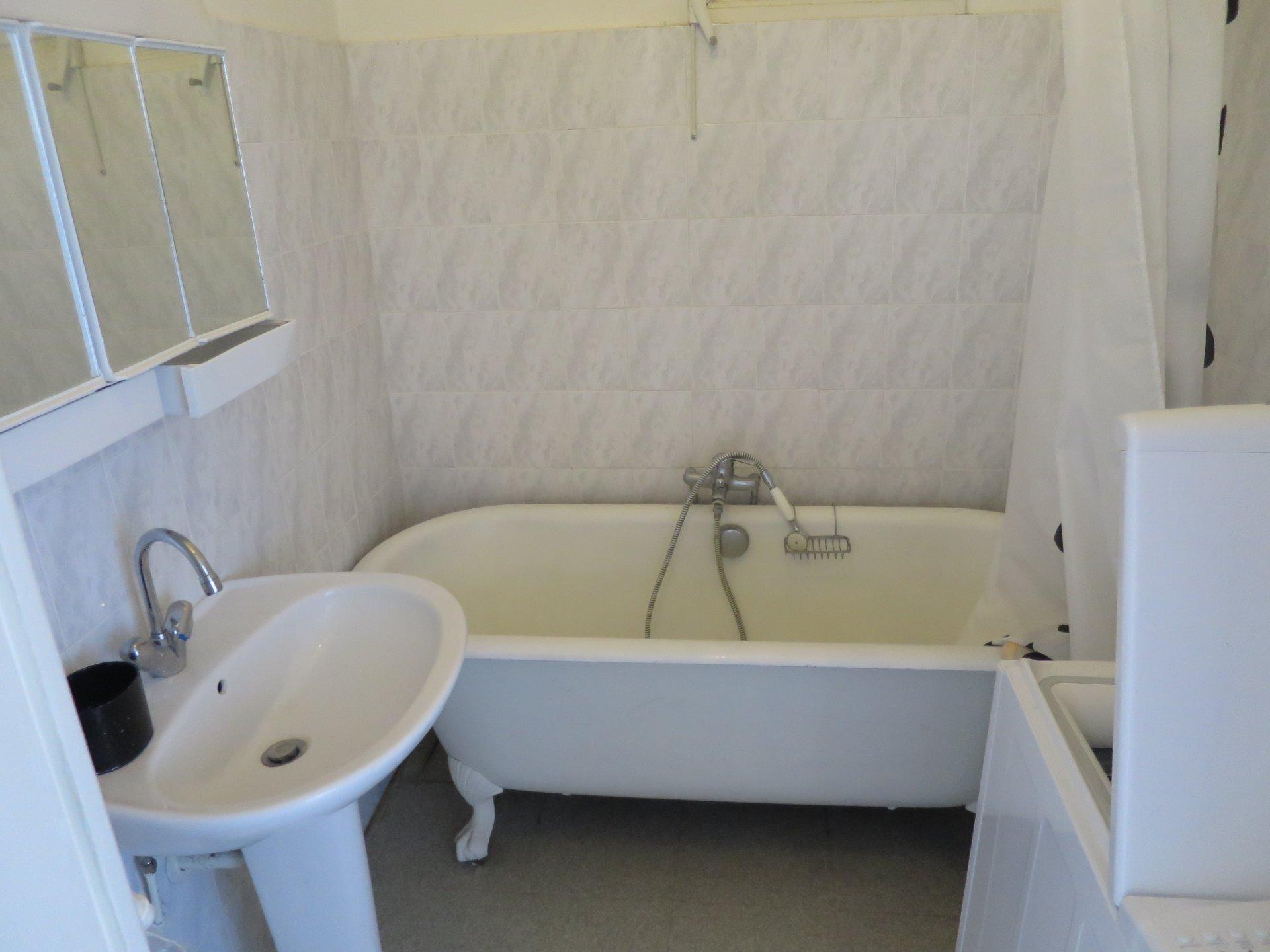 65 Gambetta - T2 meublé avec terrasses