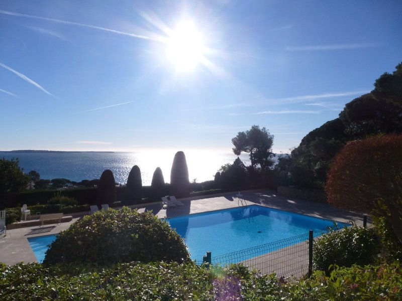 CROIX DES GARDES 3P88M²+ 25M² Terraces Sea View
