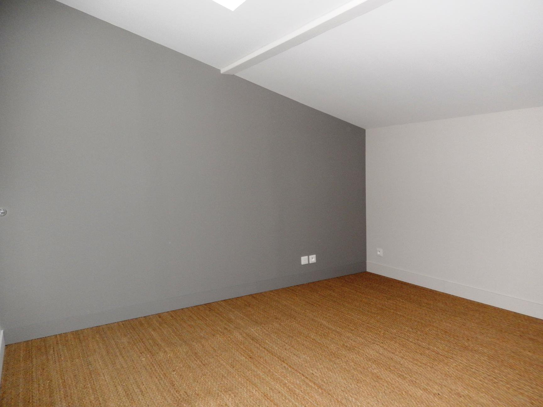 Appartement T2 duplex avec cours centre LA TOUR DU