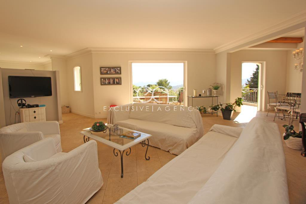 Le Cannet Californie, rental 370m² villa 6 bedrooms.