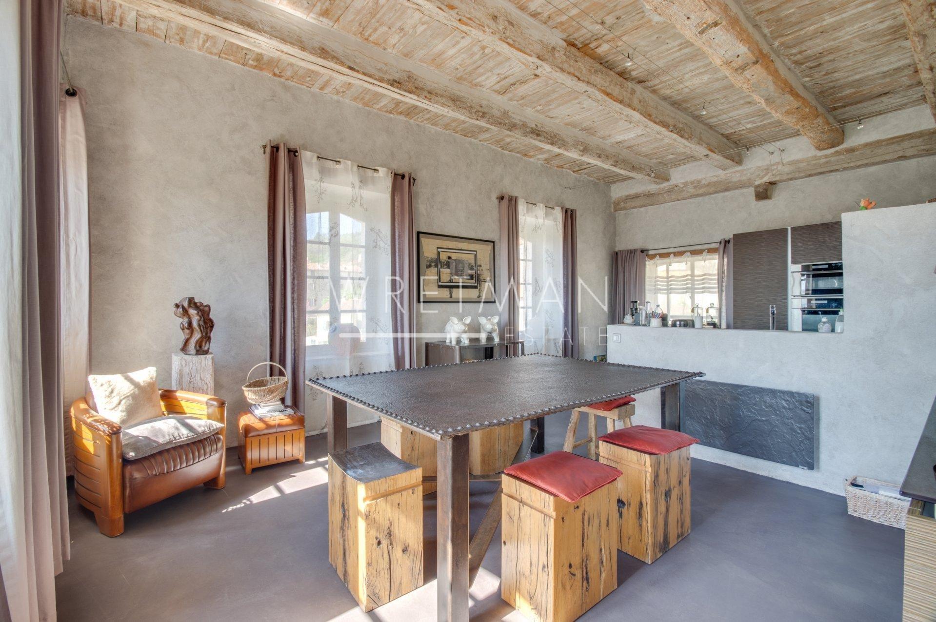 Spektakulär egendom med exklusiv interiör – Seillans