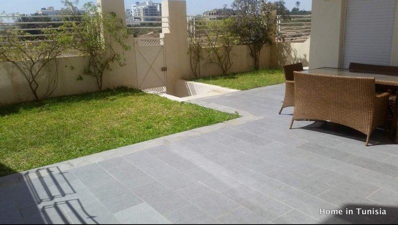 Super appartement avec coin jardin