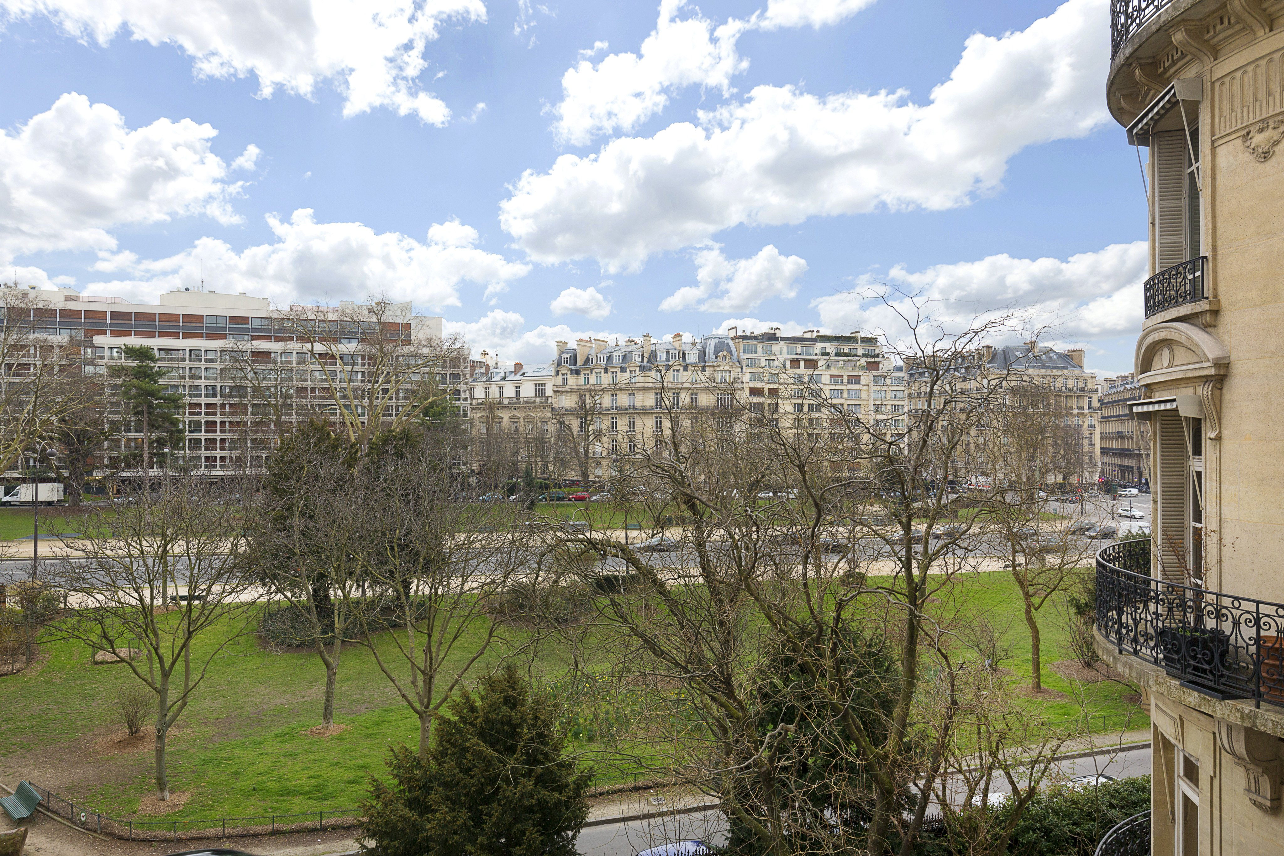 Paris 16th District A stunning family apartment: a luxury ...